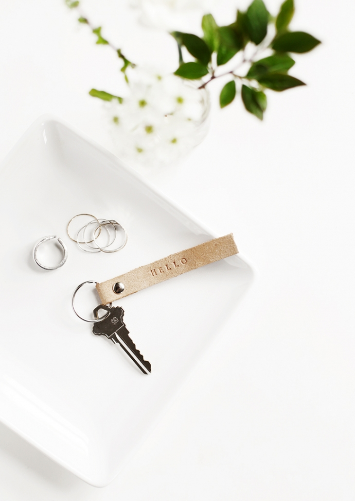 DIY Stamped Leather Keychains @themerrythought