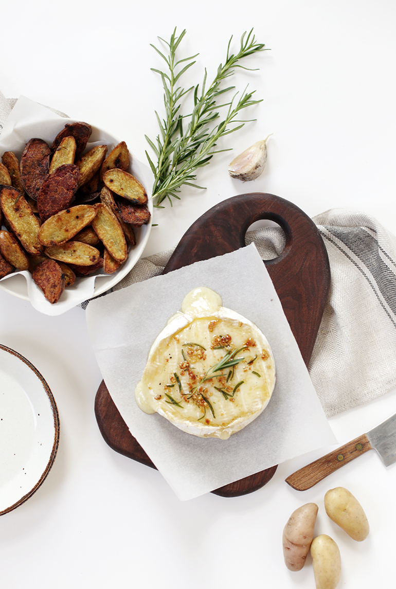 Baked Rosemary & Garlic Brie with Roasted Potatoes @themerrythought