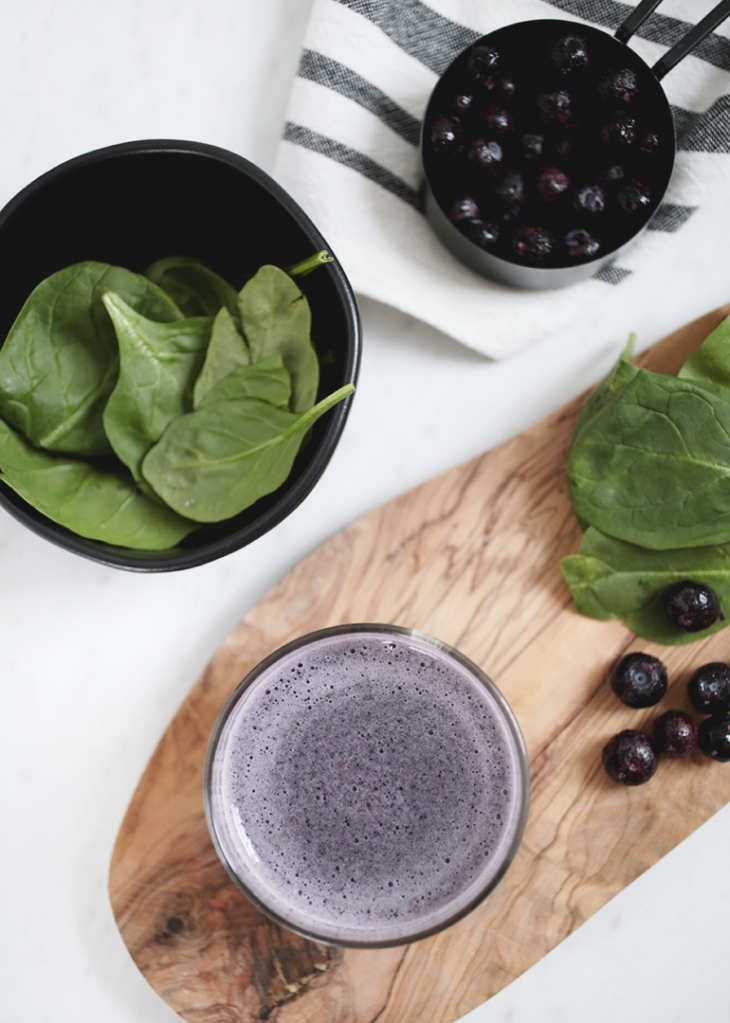 Blueberry Spinach Smoothie @themerrythought