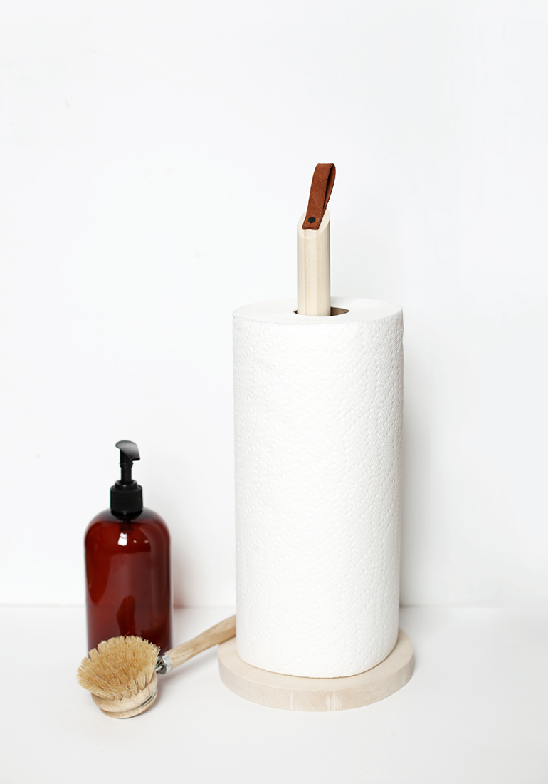 DIY Wooden Paper Towel Stand @themerrythought