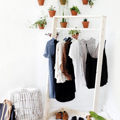 DIY Wooden Clothing Rack @themerrythought