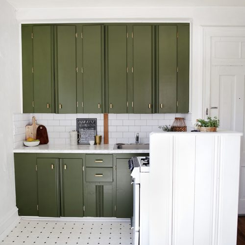 $200 Renter Friendly Kitchen Makeover @themerrythought