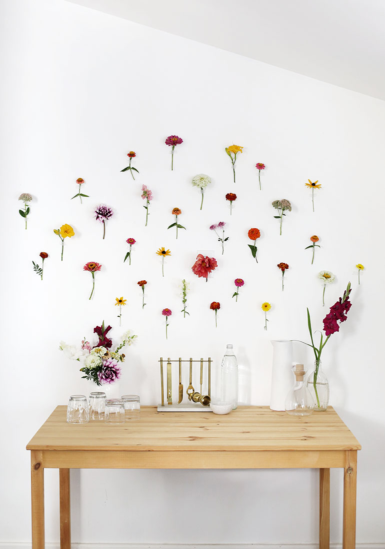 DIY Floral Wall Backdrop @themerrythought