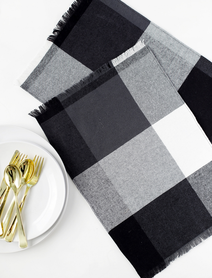 DIY Flannel Placemat @themerrythought