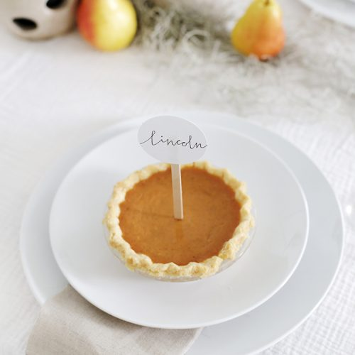 DIY Mini Pie Place Cards @themerrythought