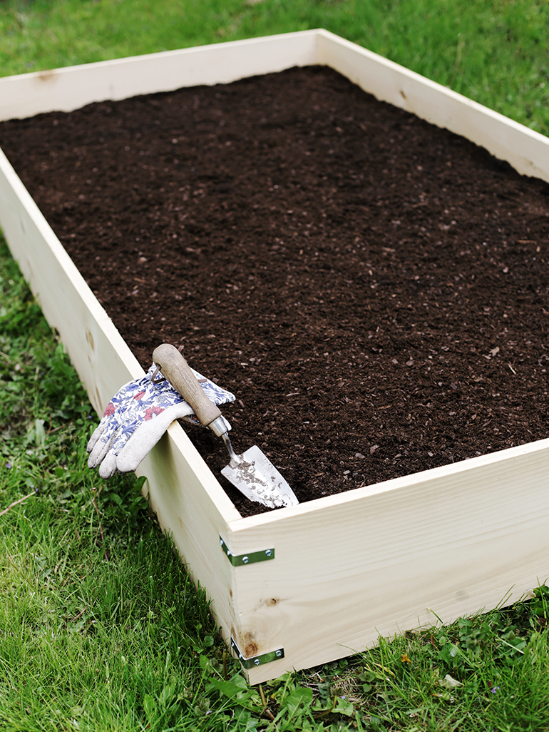 Diy Raised Garden Bed The Merrythought