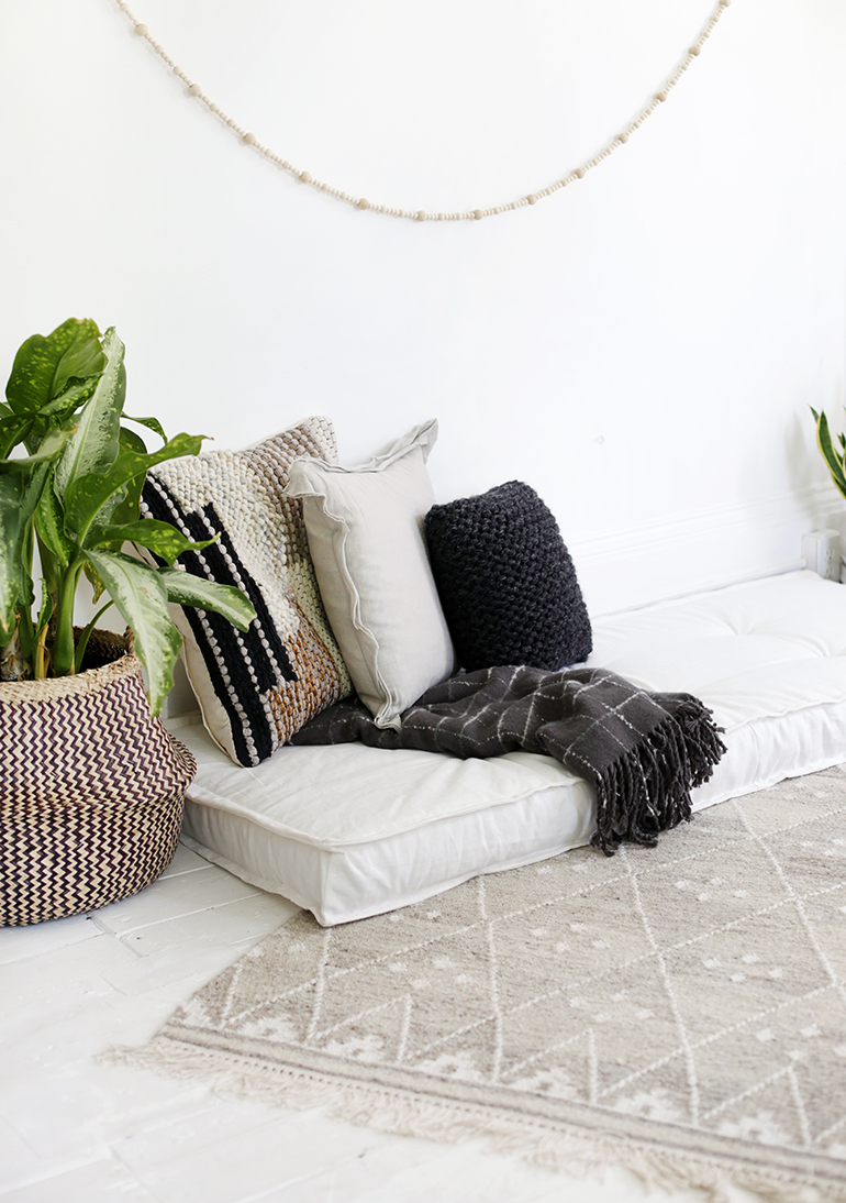 DIY Daybed Cushion @themerrythought