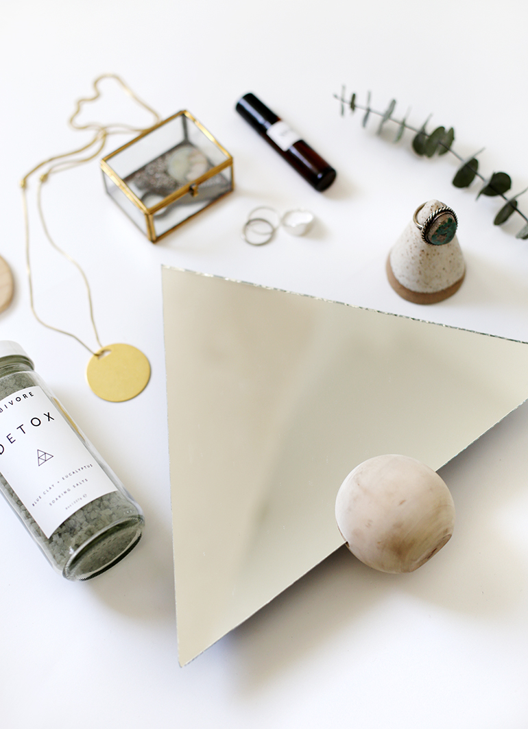 DIY Triangle Mirror @themerrythought