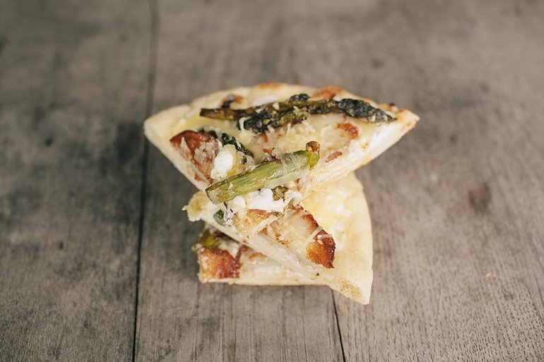 Grilled Potato Asparagus Pizza | The Merrythought