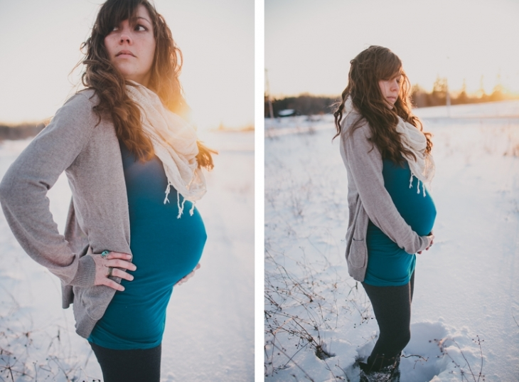 Winter Maternity Photos | @themerrythought