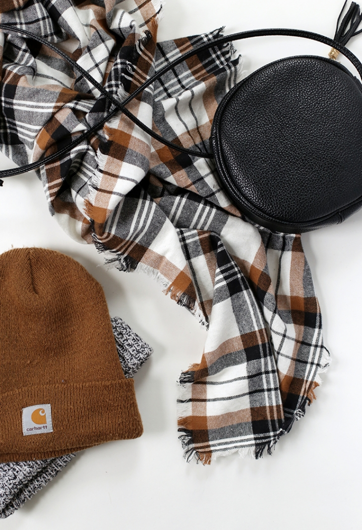 DIY Flannel Blanket Scarf @themerrythought