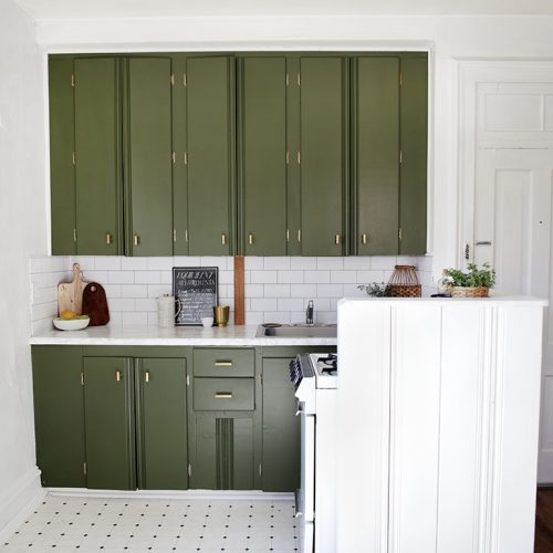 How to Paint Kitchen Cabinets @themerrythought