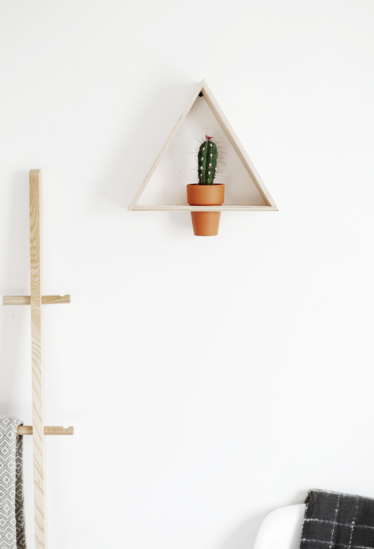 Diy Triangle Wall Planter The Merrythought