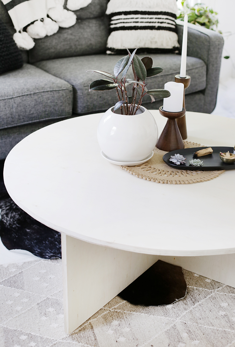 DIY Round Plywood Coffee Table @themerrythought