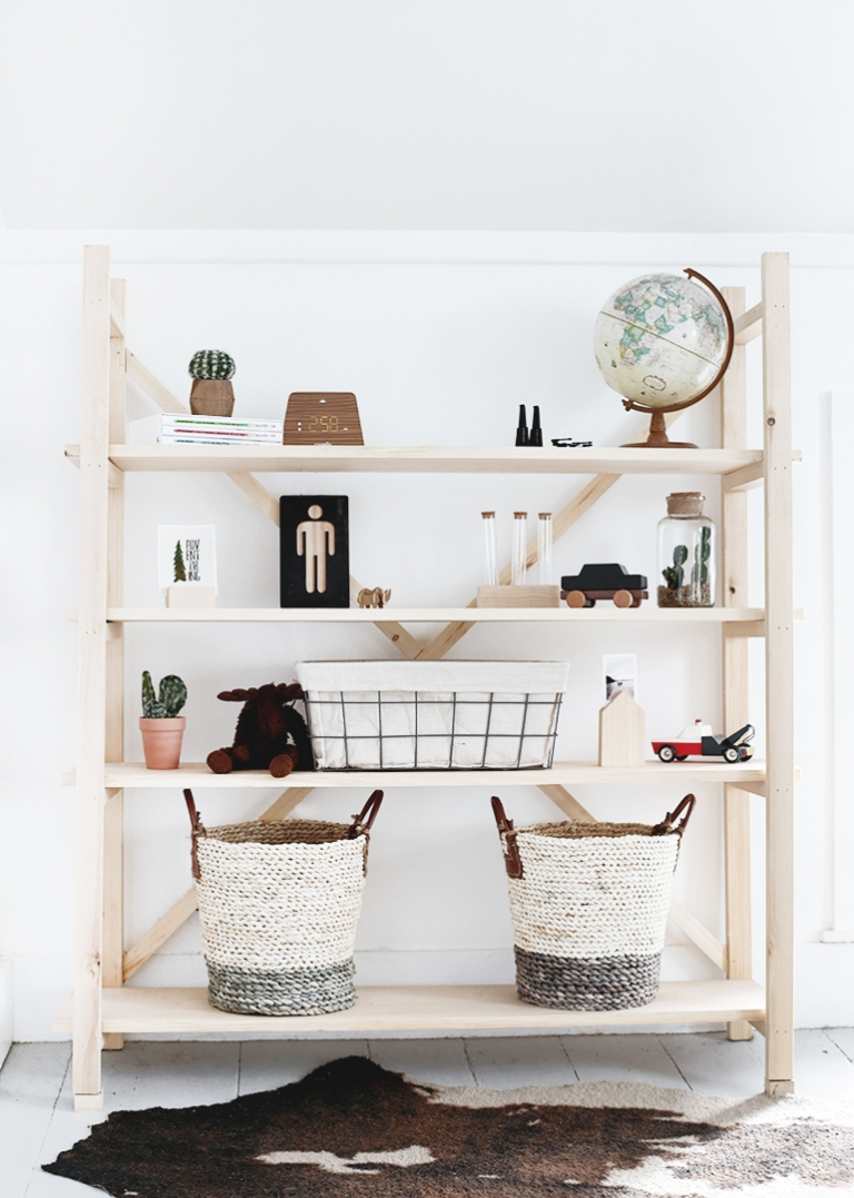 DIY Wood Bookshelf @themerrythought