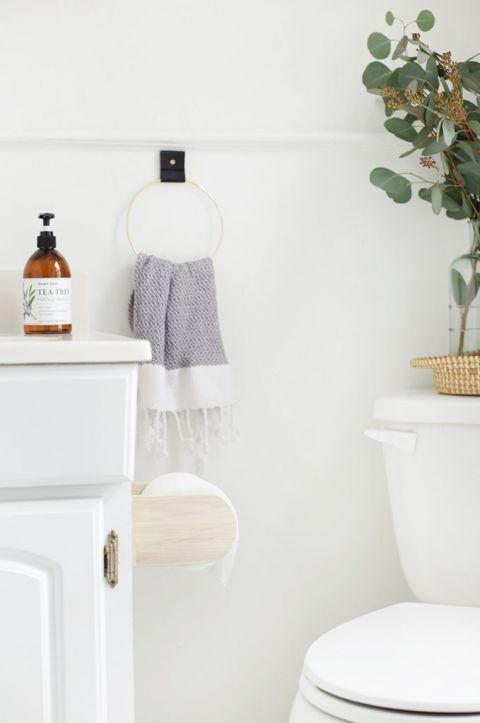 DIY Minimal Toilet Paper Holder