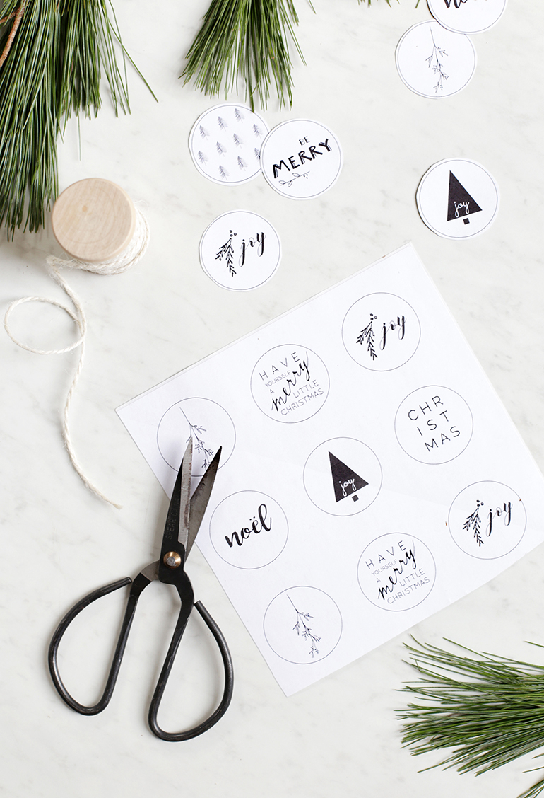 Printable Holiday Envelope Stickers @themerrythought