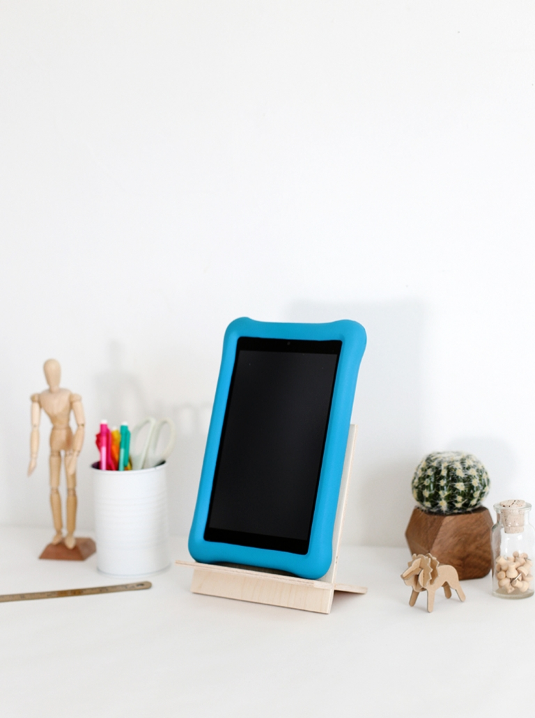 Marvelous Diy Tablet Stand The Merrythought Gmtry Best Dining Table And Chair Ideas Images Gmtryco