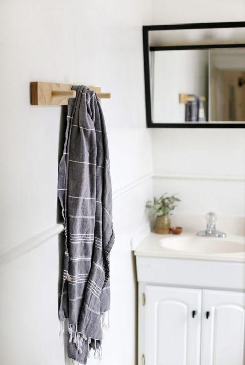 DIY Peg Towel Rack