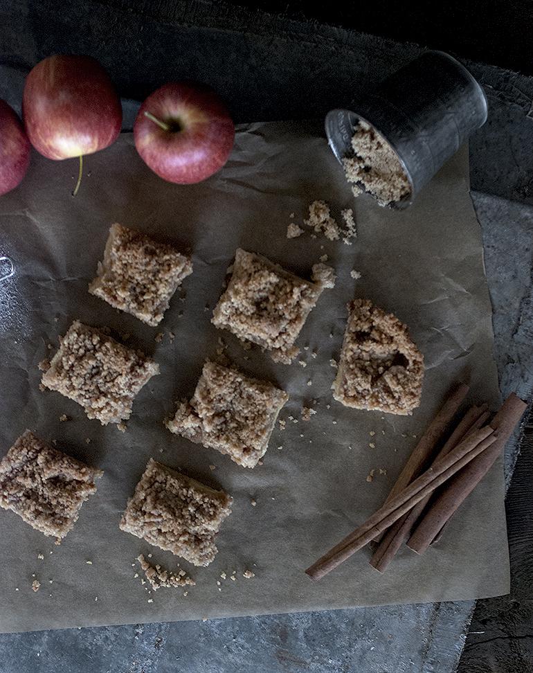 Apple Crisp Bars @themerrythought