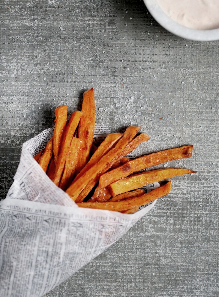 Baked Sweet Potato Fries w/ Spicy Ranch Dip @themerrythought