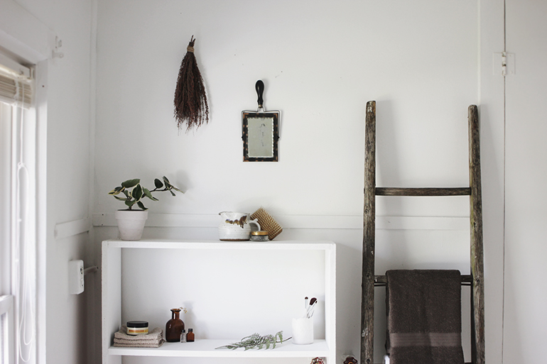 White Bathroom Decor Themerrythought