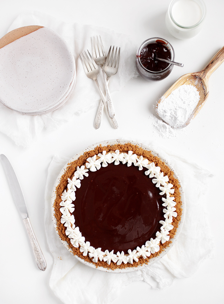 Creamy Peanut Butter Pie with Nutter Butter Crust @themerrythought