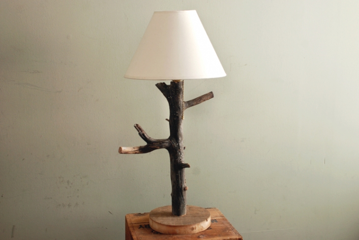 DIY Branch Table Lamp @themerrythought