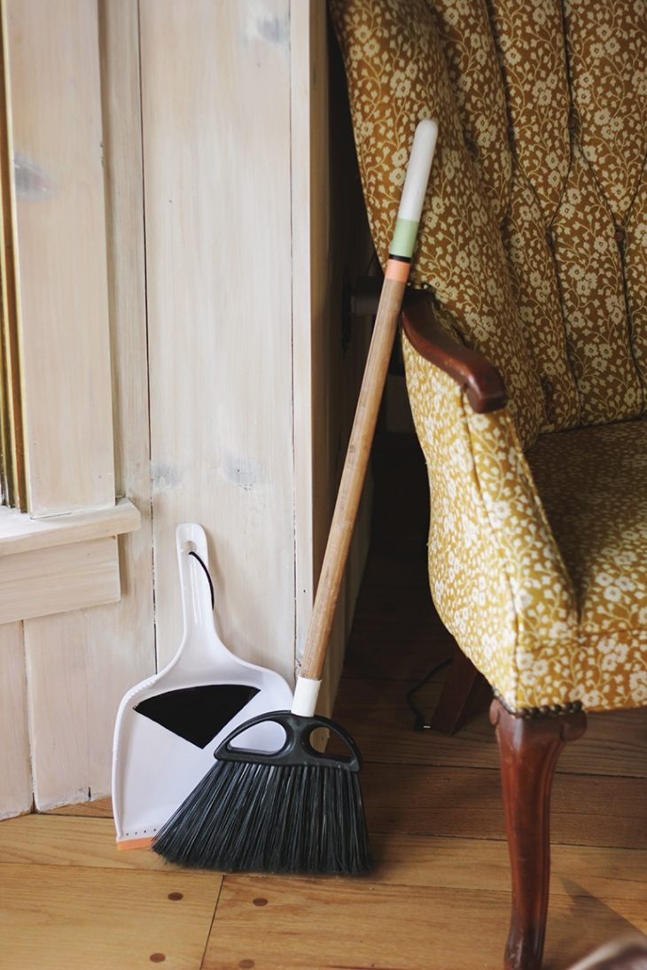 DIY Broom & Dust Pan @themerrythought