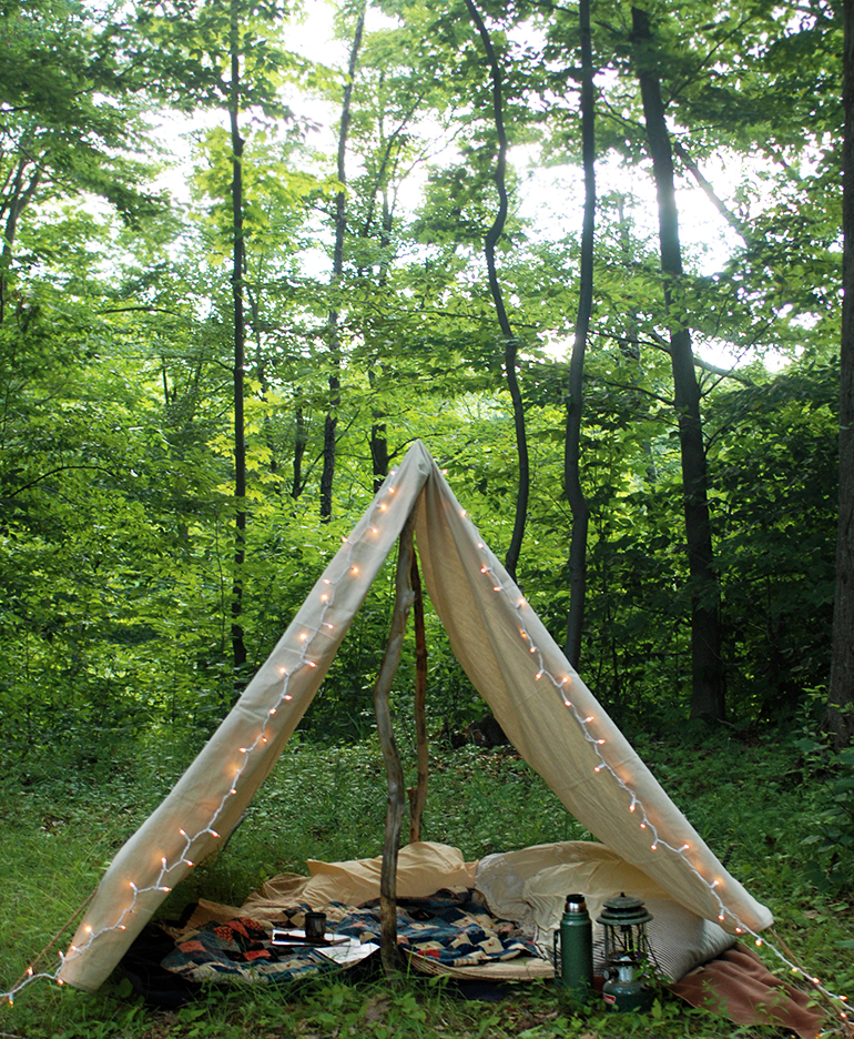 Diy canvas tent the merrythought for How to make a tent in your living room