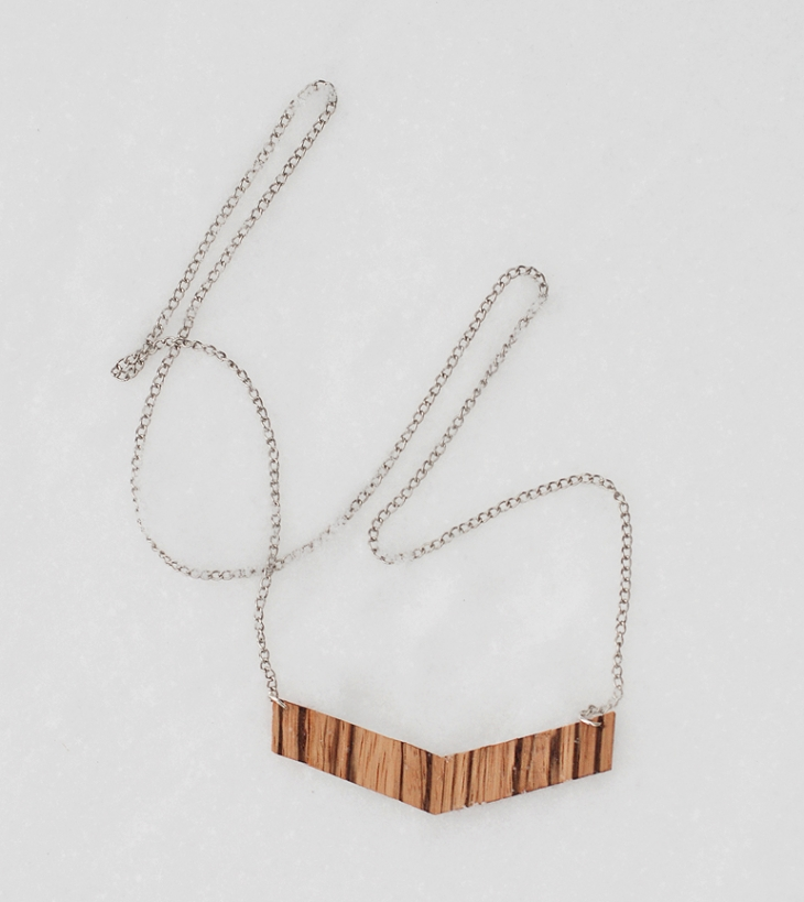 DIY Wooden Chevron Necklace @themerrythought