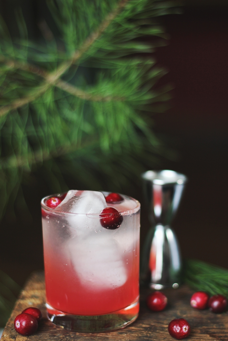 Cranberry Pine Mocktail @themerrythought