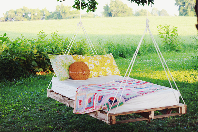 diy pallet swing bed the merrythought. Black Bedroom Furniture Sets. Home Design Ideas