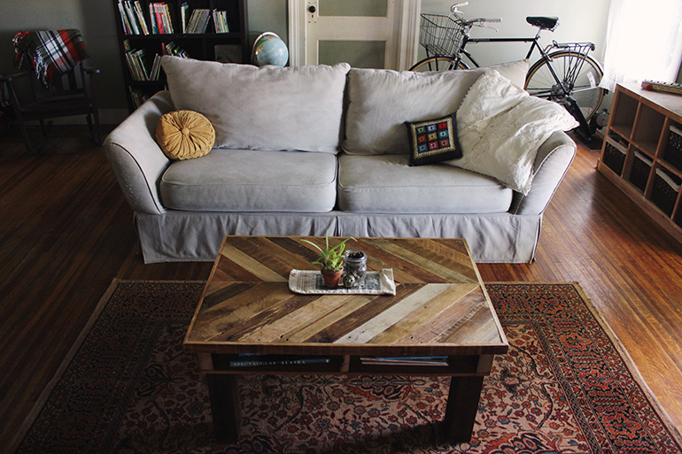 DIY Pallet Wood Coffee Table | The Merrythought