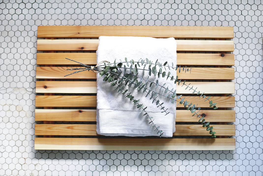 Diy Cedar Bath Mat Themerrythought