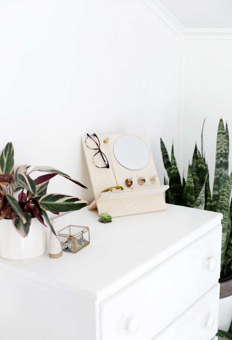 Diy Glasses And Jewelry Organizer The Merrythought