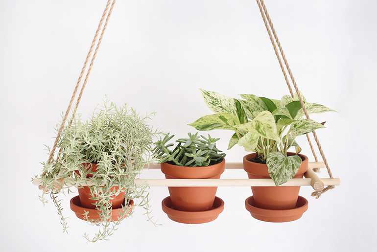 diy hanging planter themerrythought - Diy Hanging Planter