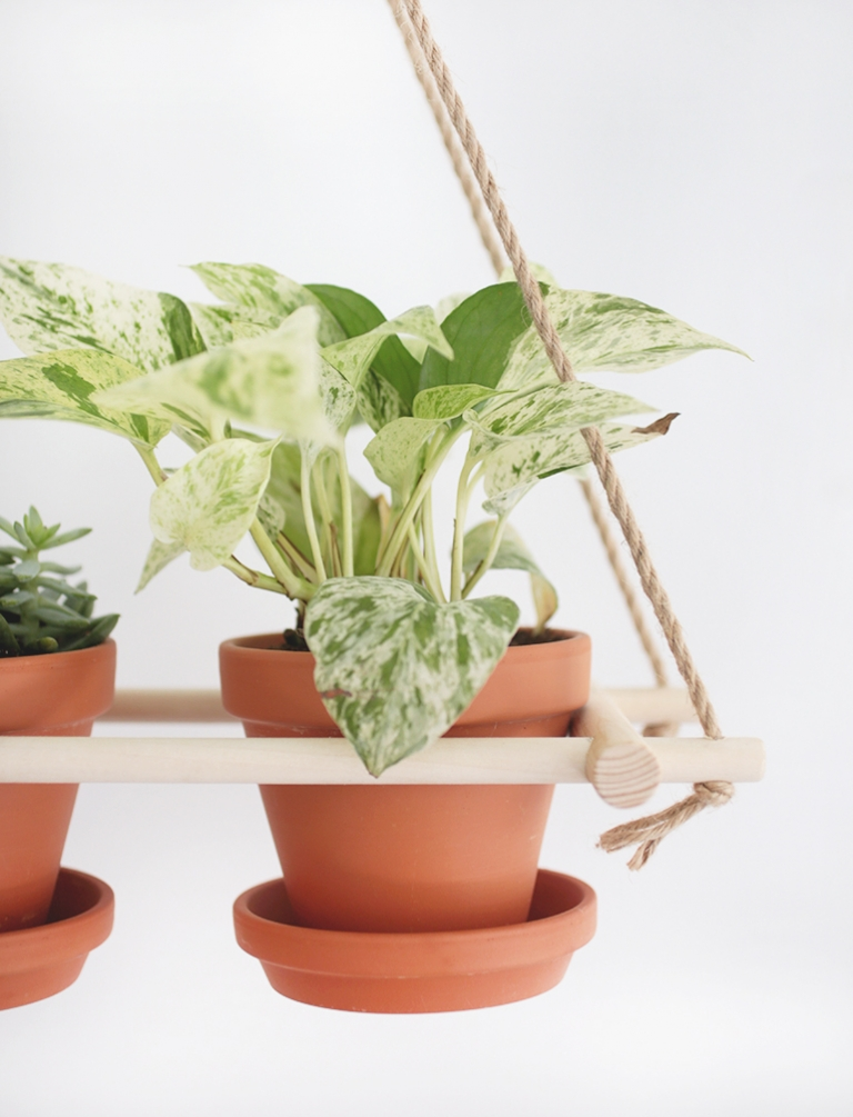 DIY Hanging Planter @themerrythought