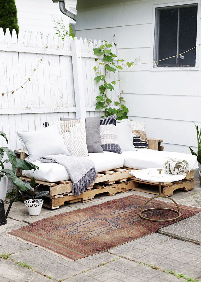 Diy Pallet Couch The Merrythought