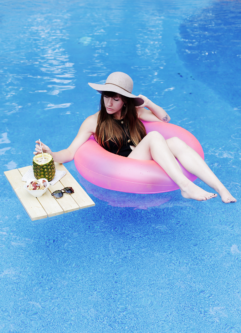 DIY Floating Pool Tray