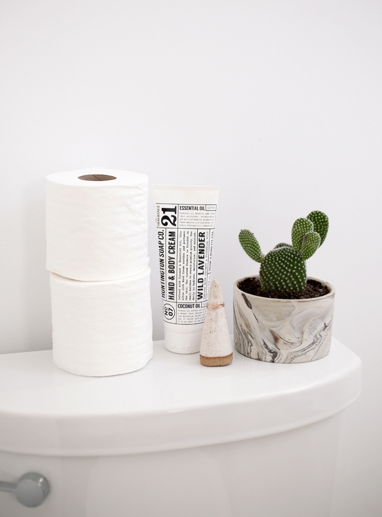 High Quality ... DIY Toilet Paper Holder @themerrythought