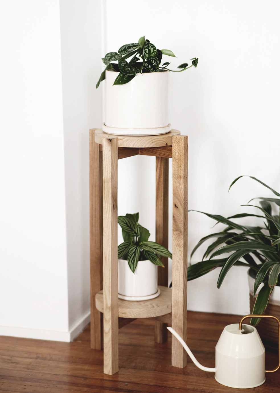 Diy Wood Plant Stand A Simple Diy With A Video Tutorial