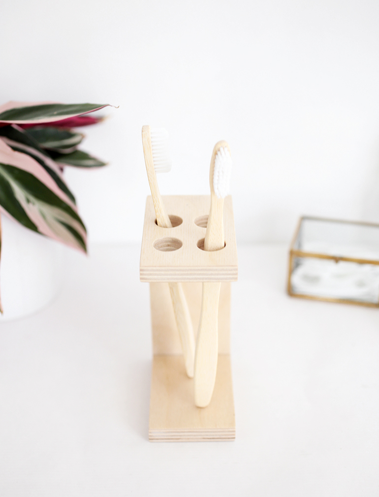 DIY Toothbrush Holder @themerrythought