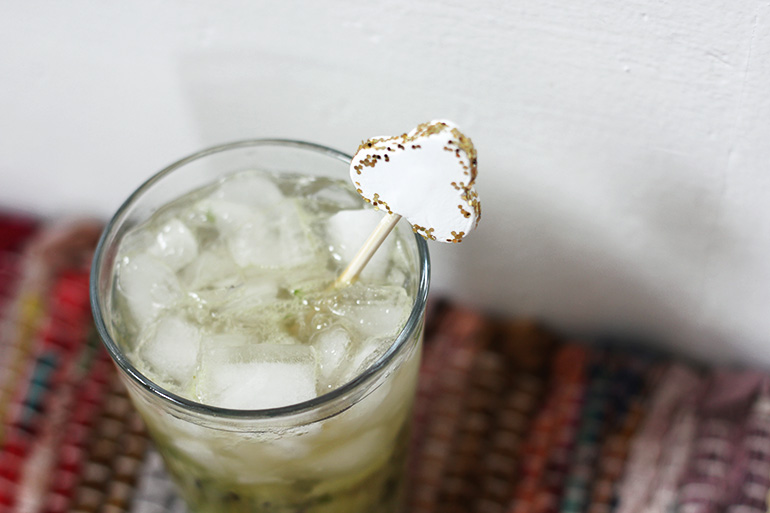 DIY Shamrock Drink Stirrer @themerrythought