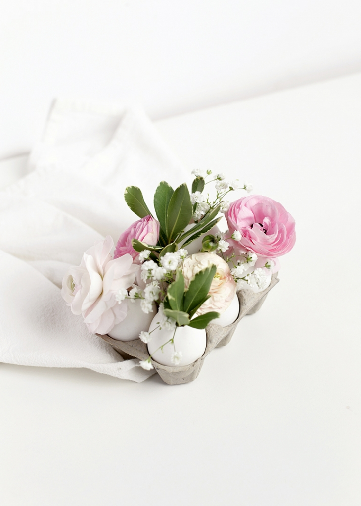 DIY Egg Vase Centerpiece @themerrythought