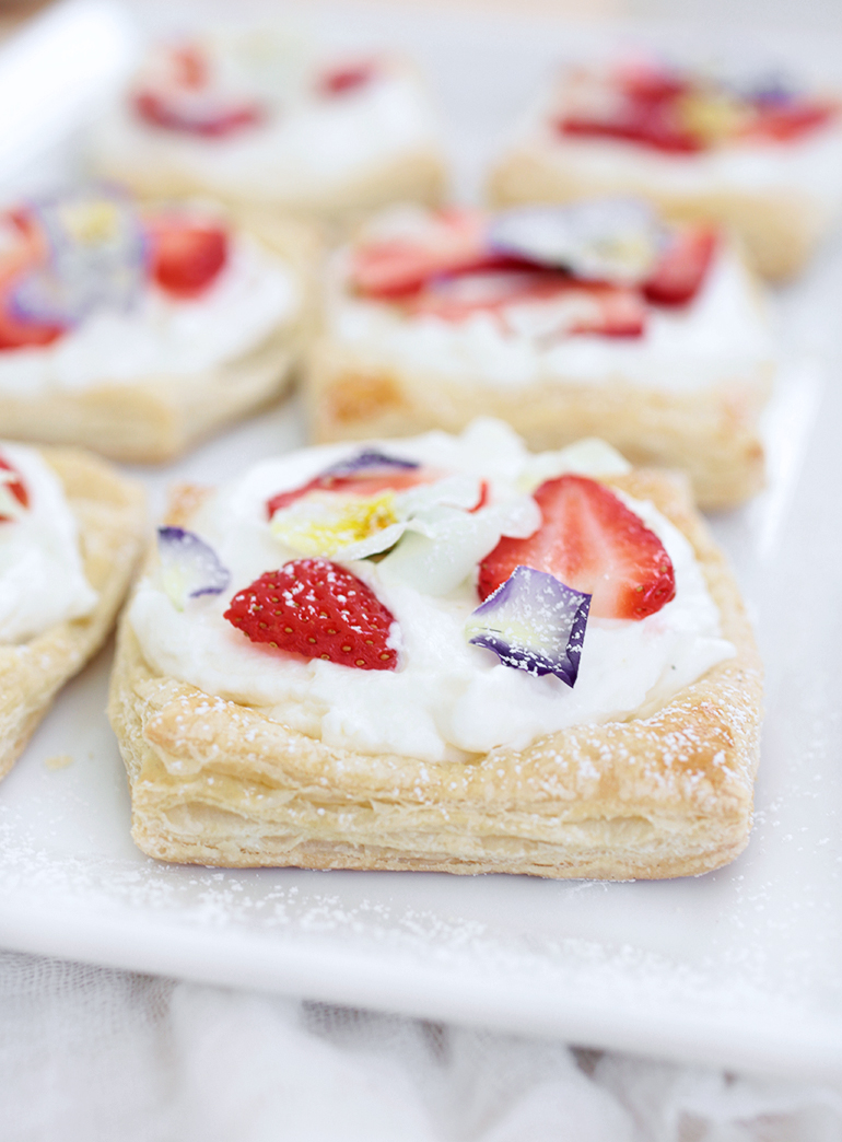Floral Strawberry Tarts @themerrythought
