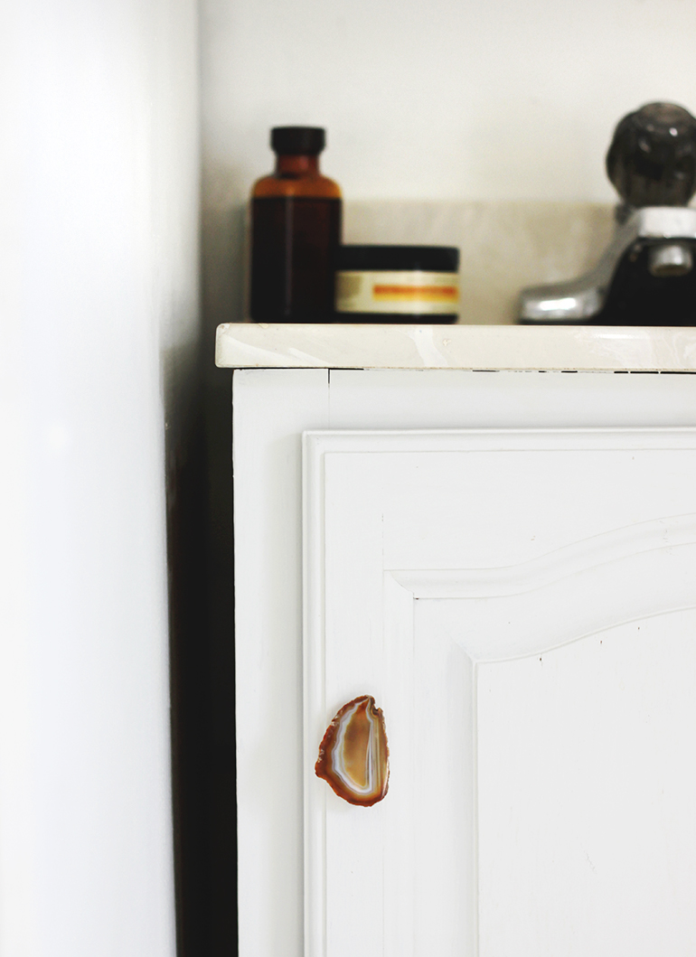 DIY Agate Cabinet Pull @themerrythought