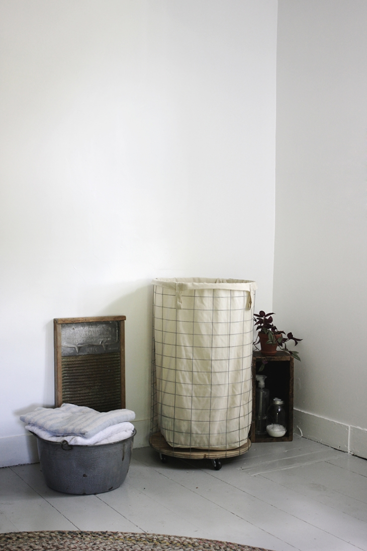 DIY Wire Laundry Hamper @themerrythought
