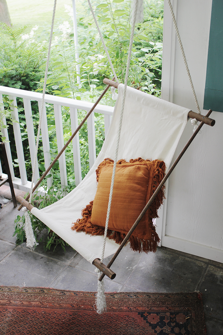 Incroyable ... DIY Hanging Lounge Chair @themerrythought ...