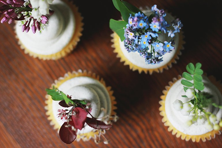 Fresh Floral Cake and Cupcake Toppers. - The Merrythought